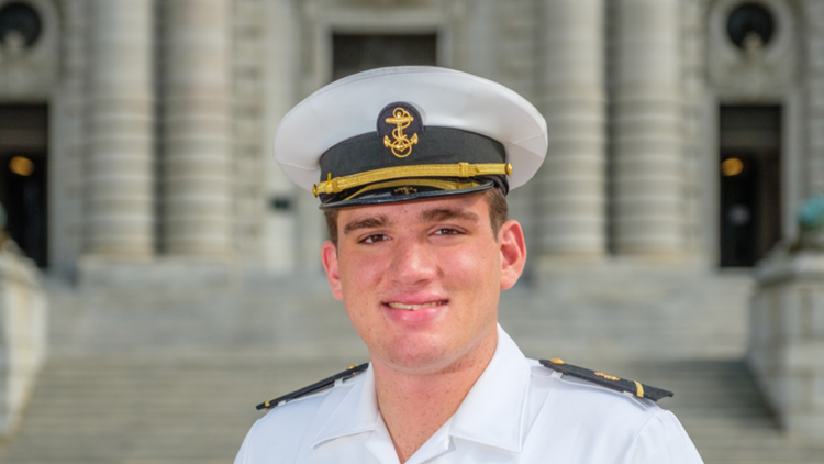 US Naval Academy midshipman dies during physical readiness test