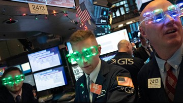 Stocks close out best year since 2013
