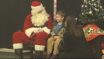 'Signing Santa' communicates with deaf children through sign language