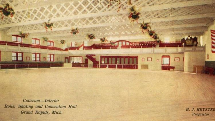 This is what the Coliseum roller rink looked like inside in the 1940s.
